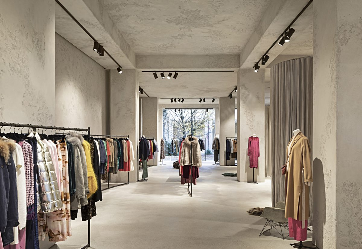 Clayworks clay plaster used for Princess retail flagstone in Antwerp